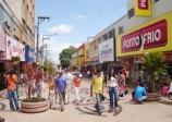 Comércio abre neste sábado de Carnaval até às 17h